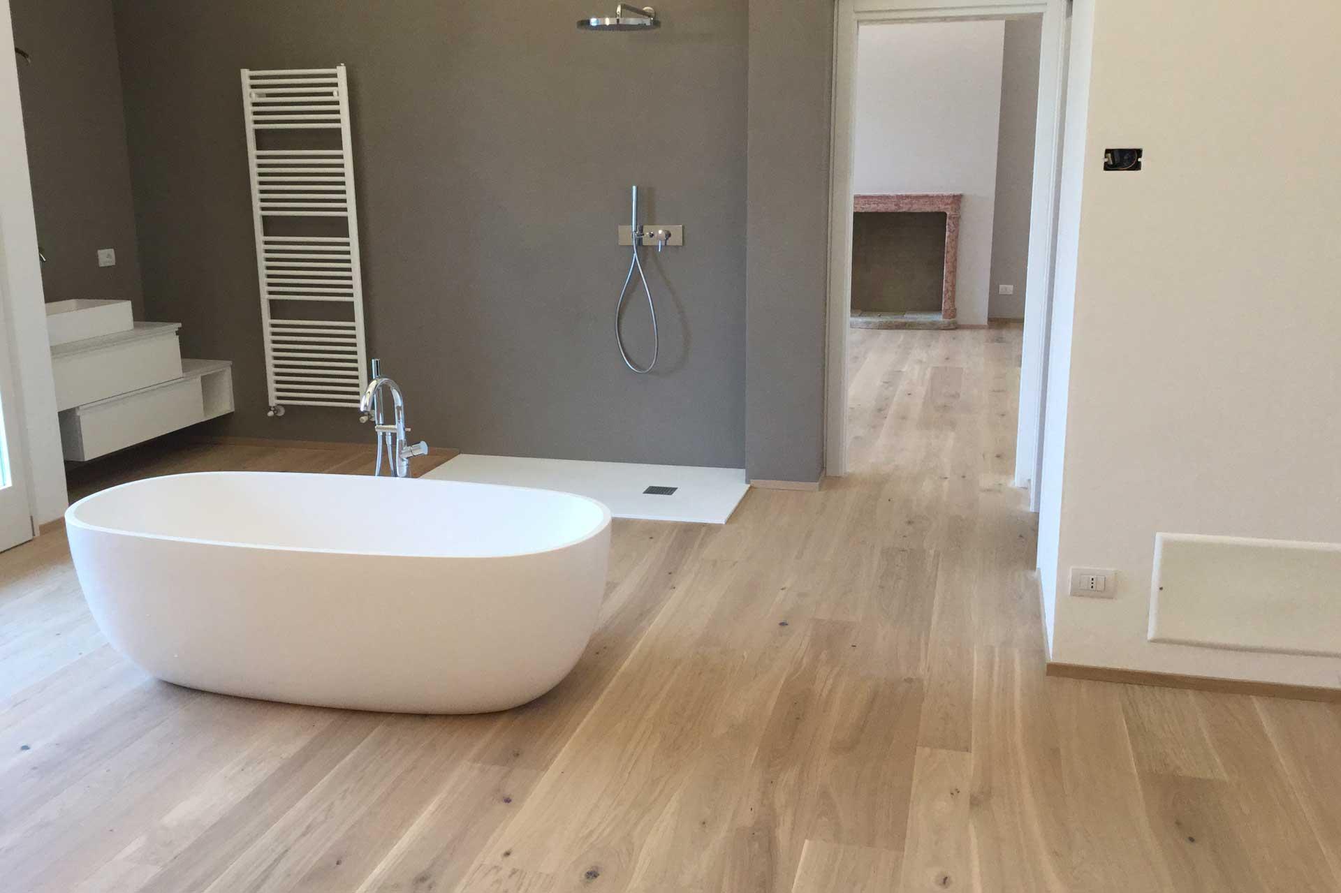 Trattamento parquet firenze azienda di trattamento parquet - Pavimento laminato in bagno ...